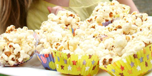 Thumb big pr0022 honey popcorn cups nh 20150102  2